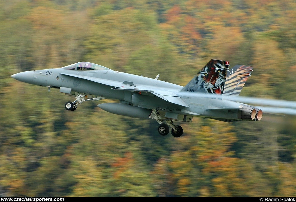 Switzerland - Air Force – McDonnell Douglas F/A-18C Hornet J-5011