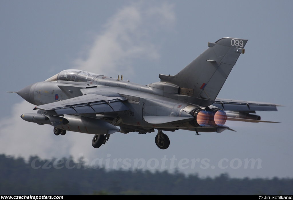 UK - Air Force – Panavia  Tornado GR4 ZD790