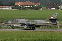 Swiss Hunter Team – Hawker Hunter T68 HB-RVR / J