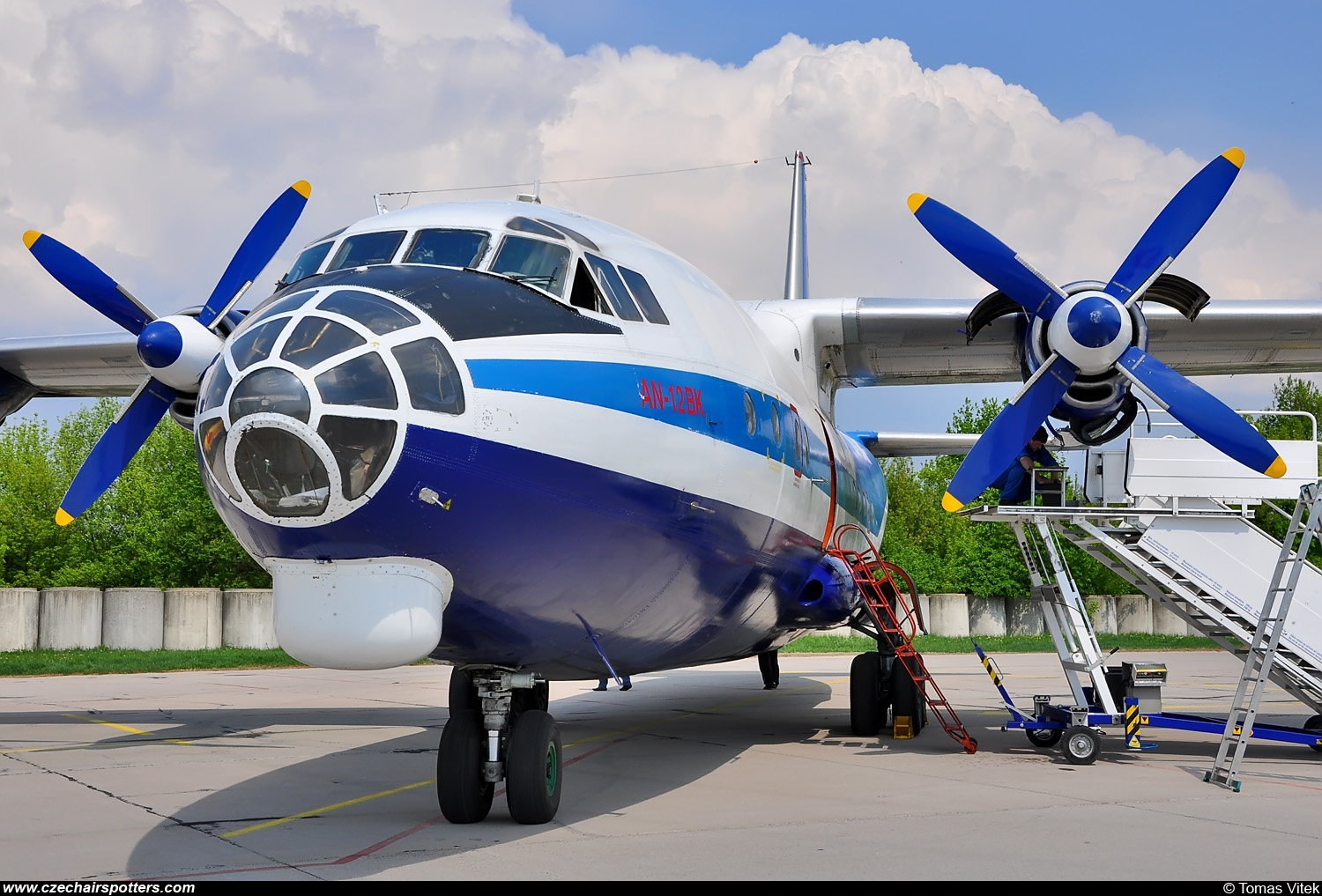Meridian Aviation – Antonov An-12 UR-DWF