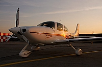 private – Cirrus SR22 G2 N581MD