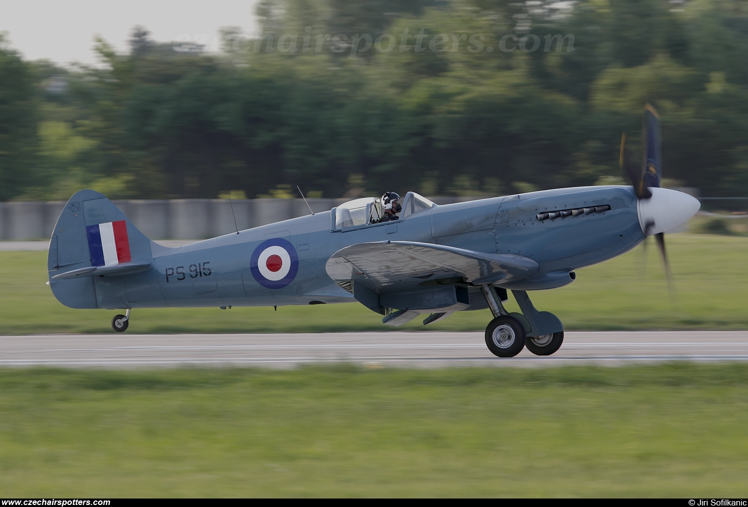 UK - Air Force – Supermarine Spitfire Mk PR XIX PS915