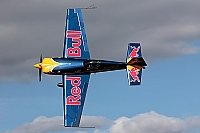 Red Bull Racing Team – Extra EA-300SR HA-BES