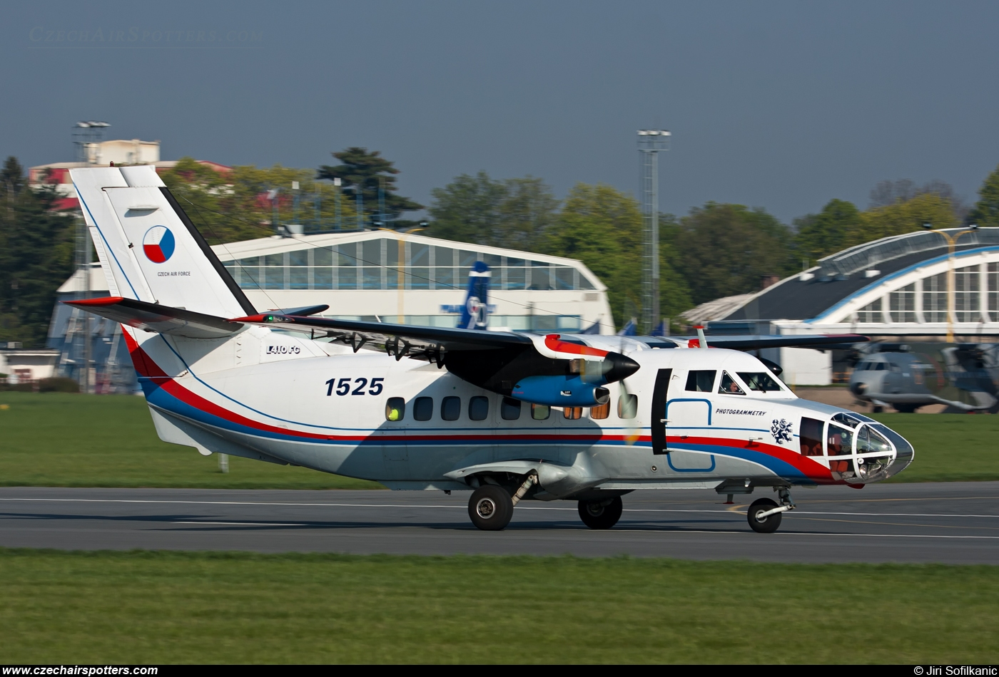 Czech - Air Force – Let L-410FG Turbolet  1525