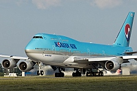 Korean Air (KAL) – Boeing B747-4B5 HL7492