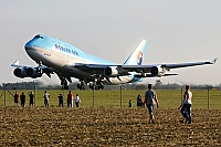 Korean Air (KAL) – Boeing B747-4B5 HL7472