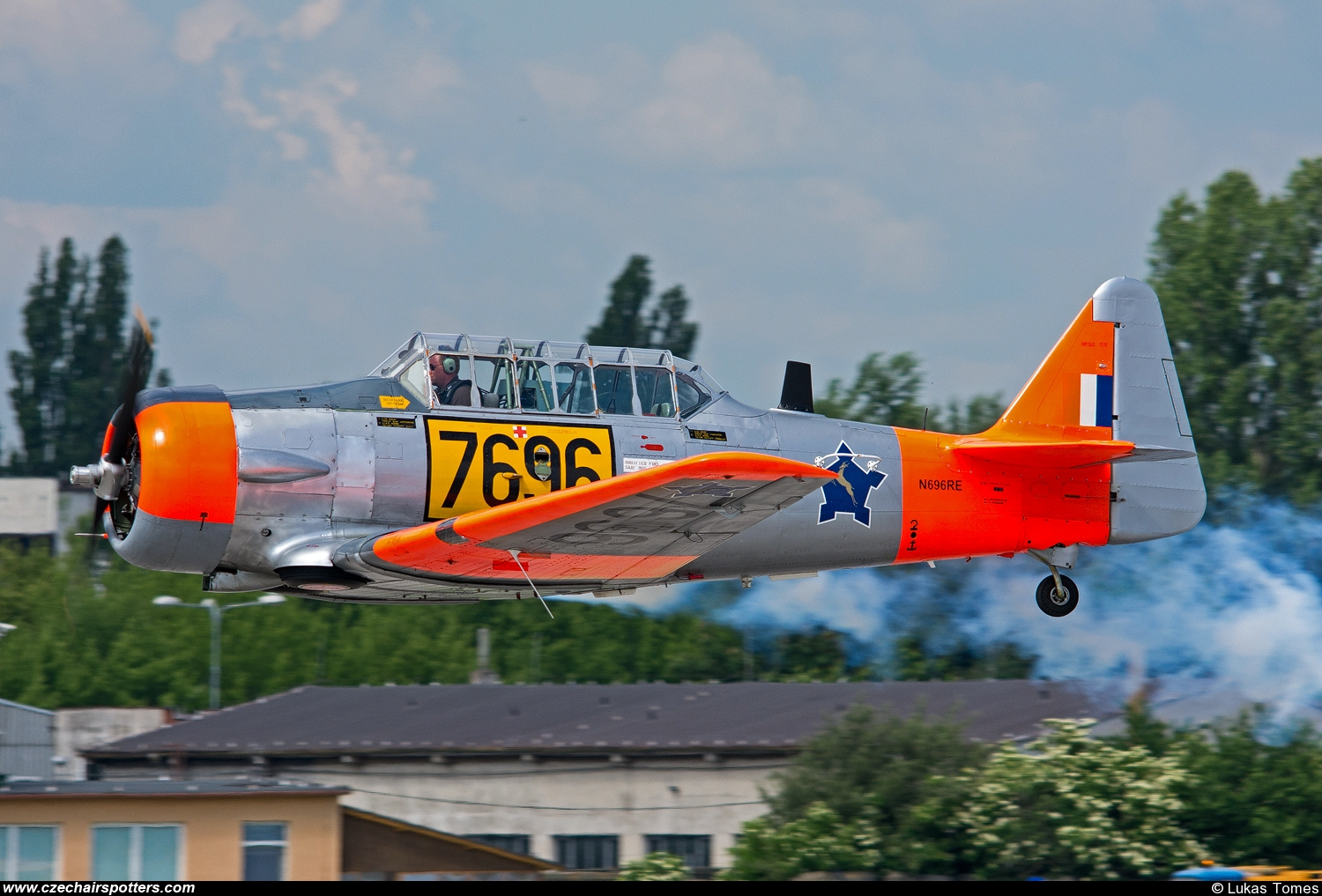 private – North American AT-6C Texan N696RE