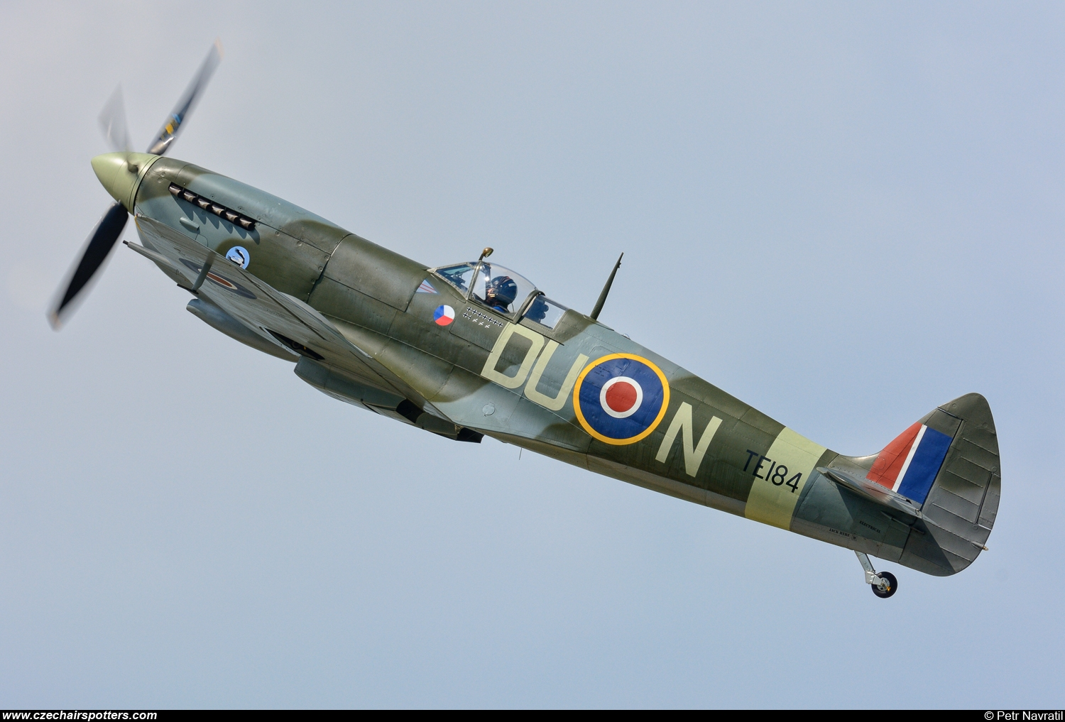 private – Supermarine Spitfire Mk XVIE (type 361) DU-N/TE184