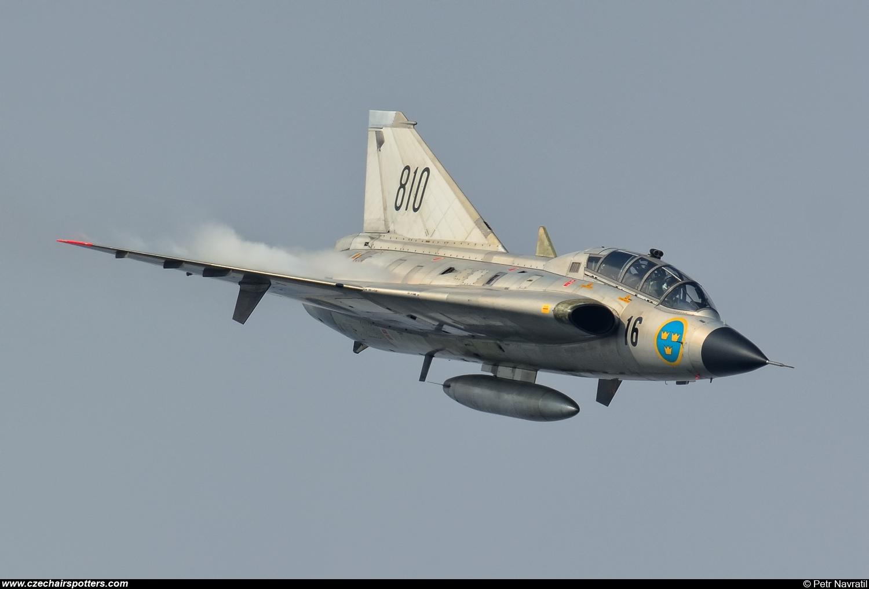 Sweden - Air Force - Saab Sk35C Draken SE-DXP/810 - czechairspotters ...