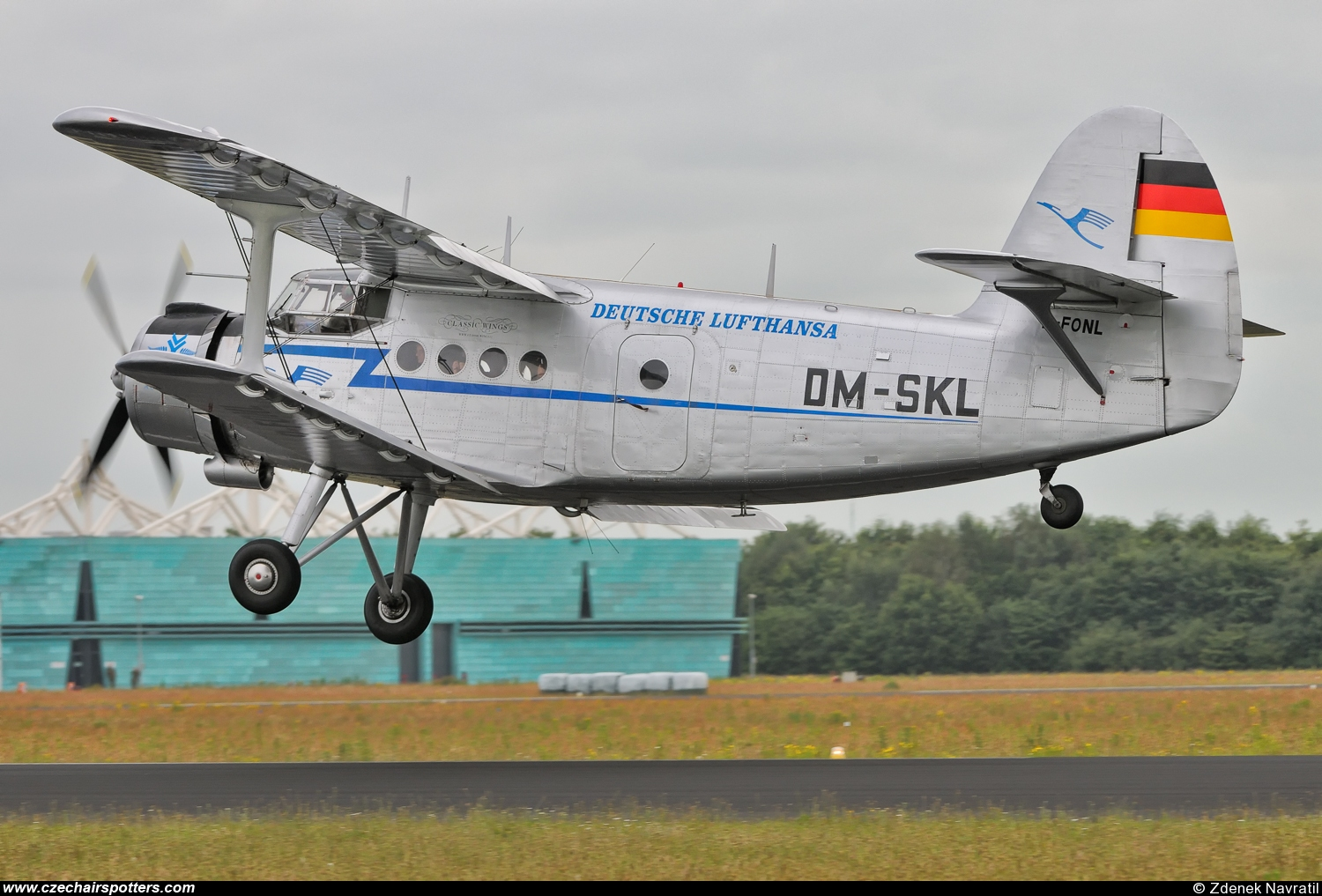 private – Antonov An-2 D-FONL/DM-SKL