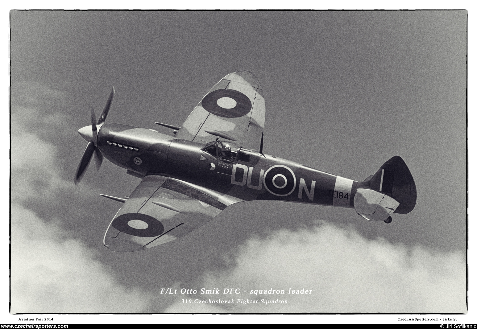 Old Flying Machine Company – Supermarine Spitfire Mk XVIE (type 361) DU-N/TE184