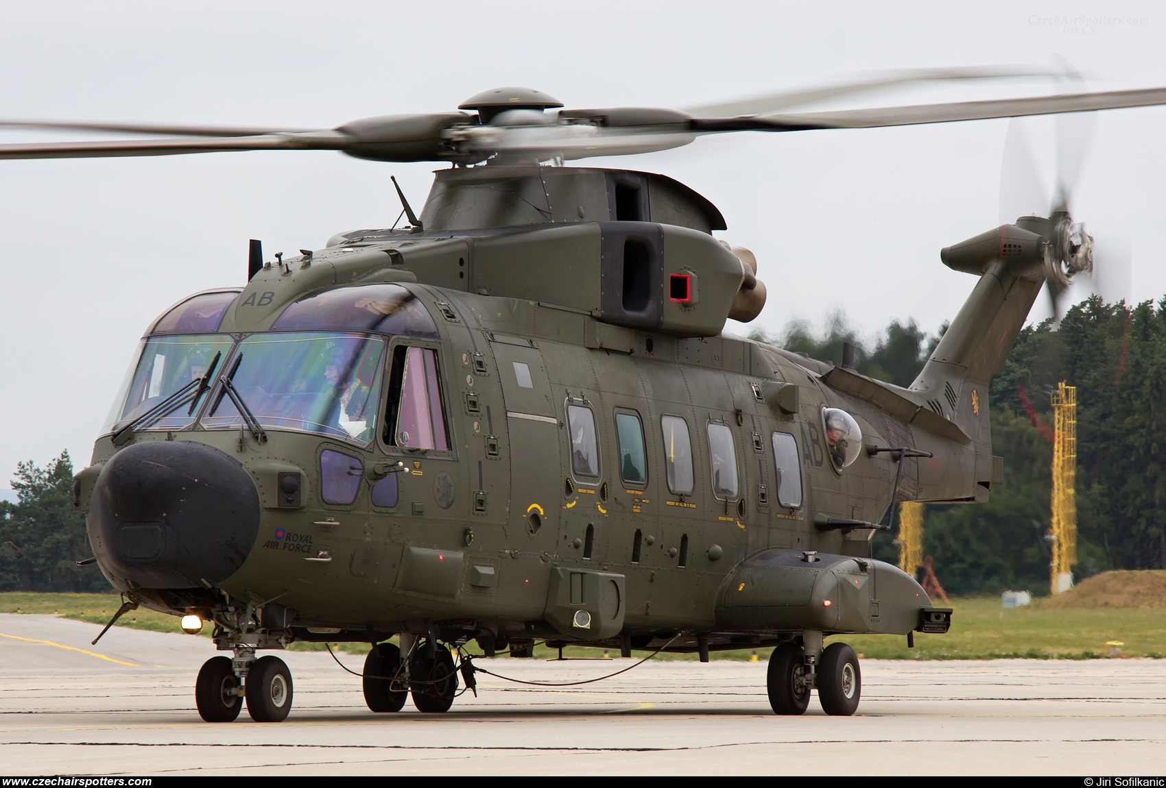 UK - Air Force – Agusta Westland EH-101 Merlin HC3A (Mk512) ZJ992 / AB