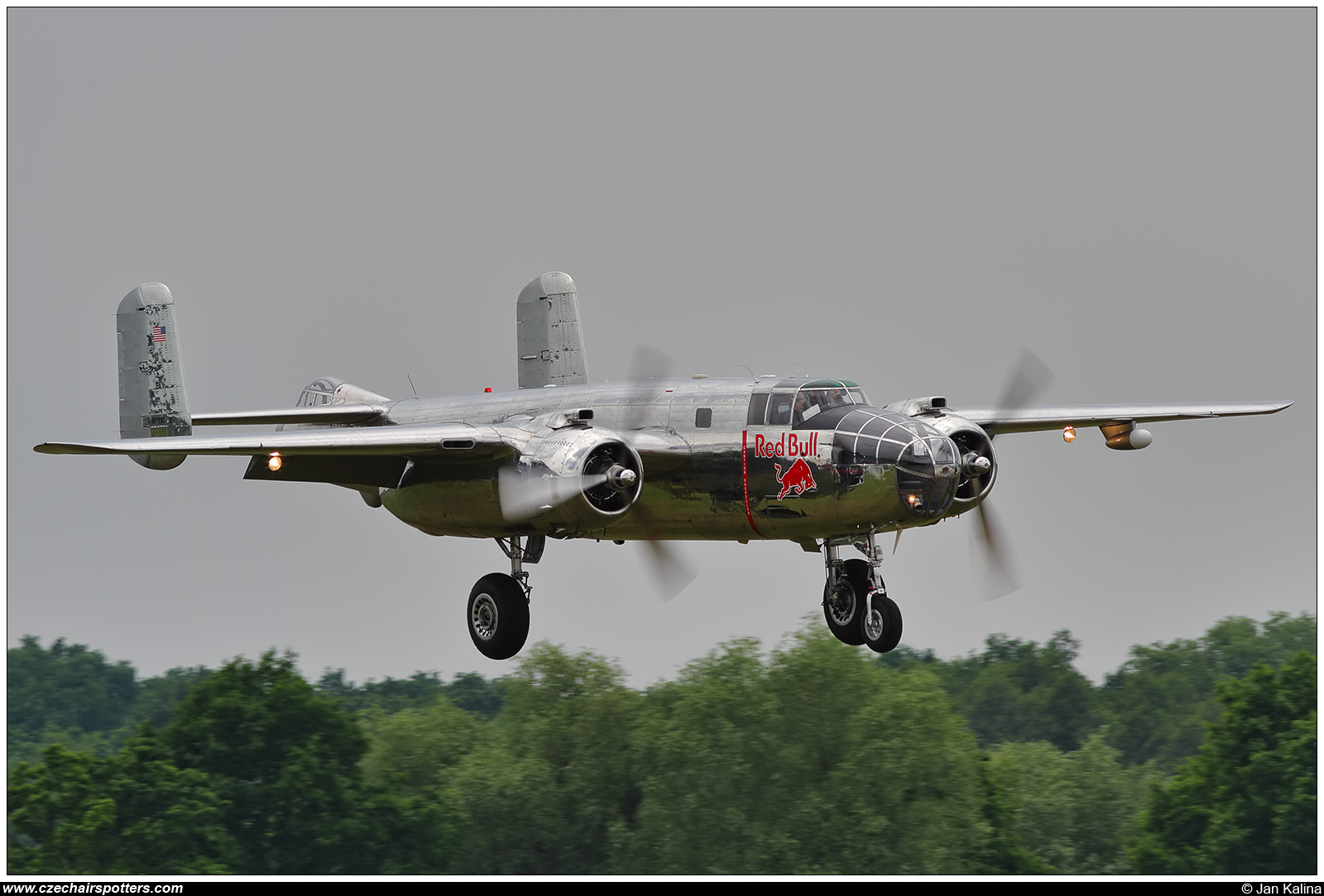 The Flying Bulls – North American B-25J Mitchell N6123C