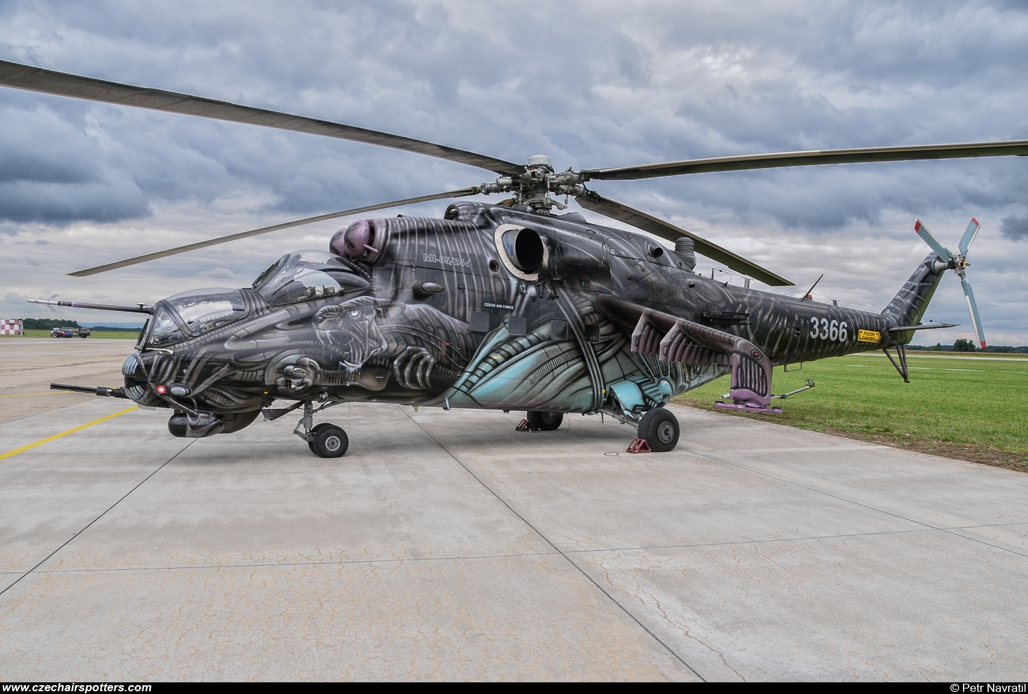 Czech - Air Force – Mil Mi-24V Hind 3366