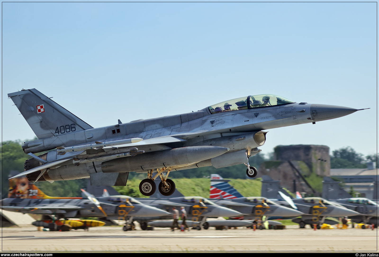 Poland - Air Force – Lockheed F-16DJ Fighting Falcon 4086