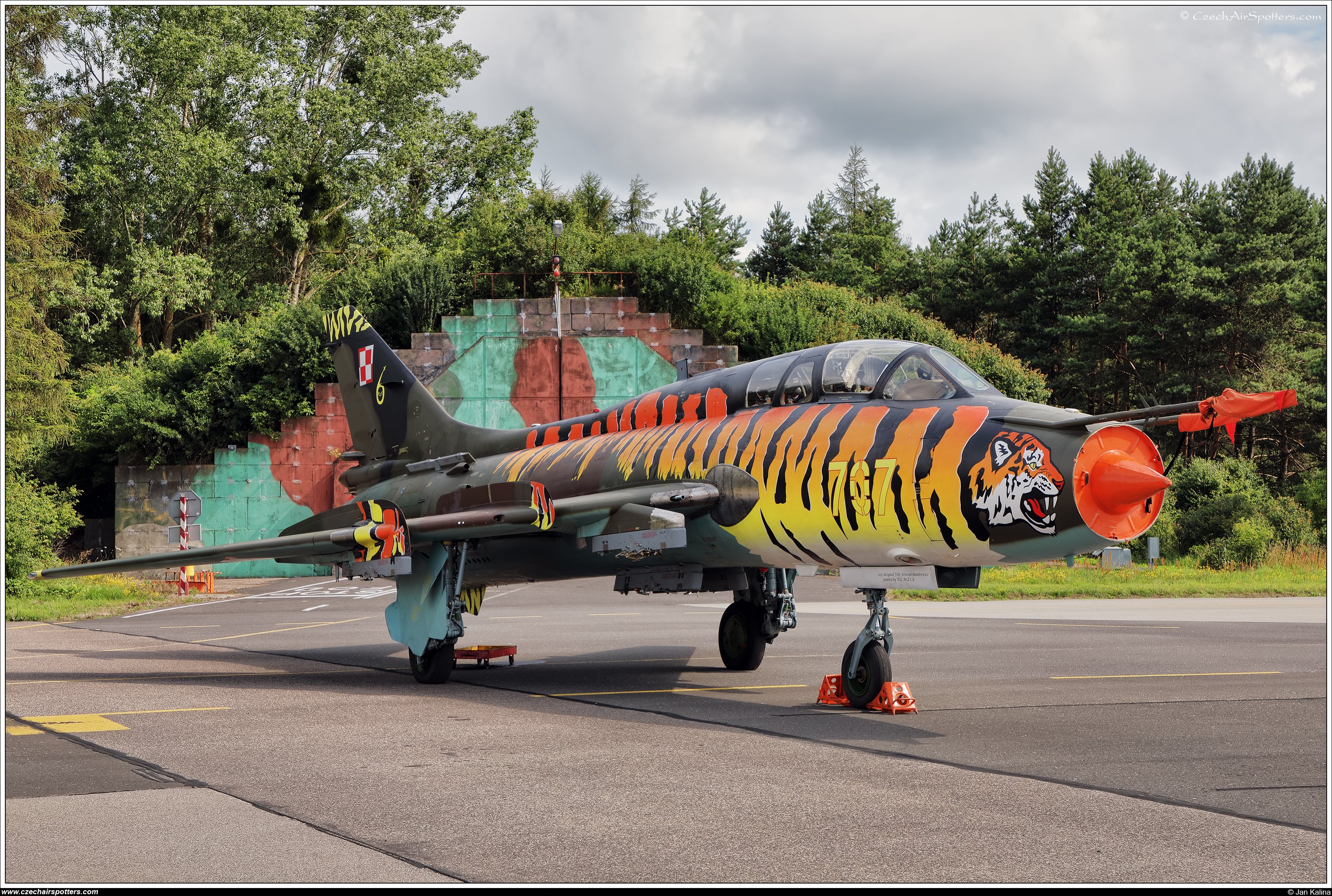 Poland - Air Force – Sukhoi Su-22 UM-3K Fitter G 707